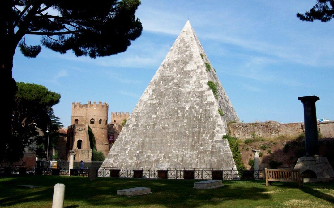 27 augustus | De piramide van Cestius in epigrafische manuscripten en oude boekdrukken
